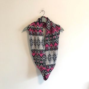 American Eagle | Chunky Knit Aztec Print Scarf